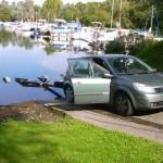 La voiture de ON6FS en attante du bateau