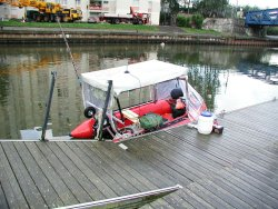 La mise à l'eau du bateau